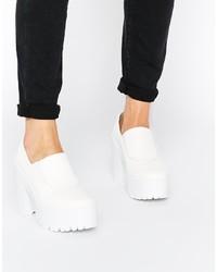 Zapatos de tacón de cuero gruesos blancos de Asos