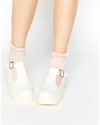 Zapatos de tacón de cuero gruesos blancos