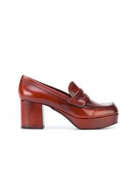 Zapatos de tacón de cuero gruesos marrónes de Prada
