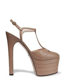 Zapatos de tacón de cuero marrón claro de Gucci