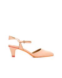 Zapatos de tacón de cuero marrón claro de See by Chloe