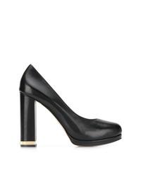 Zapatos de tacón de cuero negros de Michael Kors