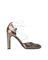 Zapatos de tacón de cuero plateados de Del Carlo