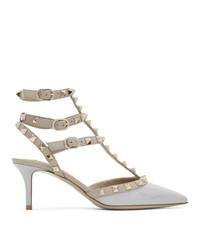 Zapatos de tacón de cuero plateados de Valentino