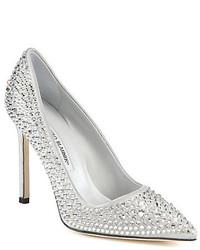 Zapatos de tacón de lentejuelas con adornos plateados