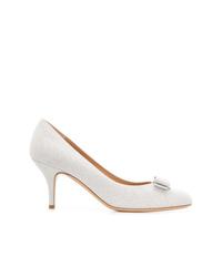 Zapatos de tacón de lentejuelas plateados de Salvatore Ferragamo