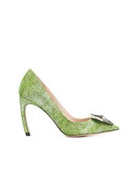 Zapatos de tacón de lona con adornos verdes de Nicholas Kirkwood