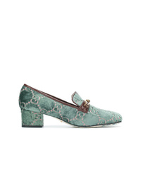 Zapatos de tacón de lona estampados verdes de Gucci