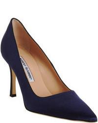 Zapatos de tacón de satén azul marino