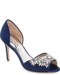 Zapatos de tacón de satén con adornos azul marino