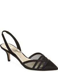 Zapatos de tacón de satén con adornos negros