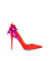 Zapatos de tacón de satén con adornos rojos de Aquazzura