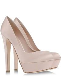 Zapatos de tacón de satén en beige