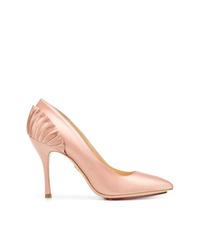 Zapatos de tacón de satén rosados de Charlotte Olympia