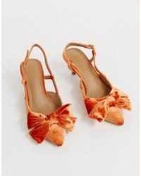 Zapatos de tacón de terciopelo con adornos naranjas de ASOS DESIGN