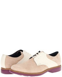 Zapatos derby de ante en beige