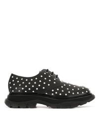 Zapatos derby de cuero con tachuelas negros de Alexander McQueen