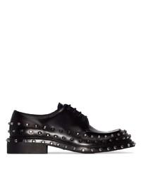 Zapatos derby de cuero con tachuelas negros de Prada