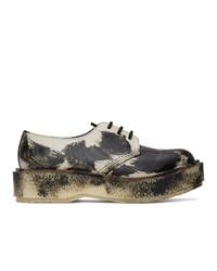 Zapatos derby de cuero en negro y blanco de Études