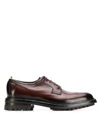Zapatos derby de cuero gruesos en marrón oscuro de Officine Creative