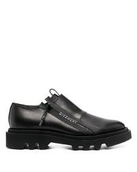 Zapatos derby de cuero gruesos negros de Givenchy