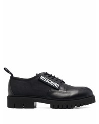 Zapatos derby de cuero gruesos negros de Moschino