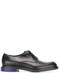 Zapatos derby de cuero negros de Fendi