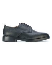 Zapatos derby de cuero negros de Thom Browne