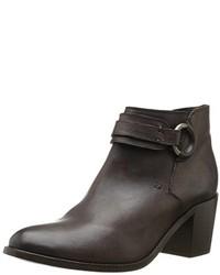 Zapatos en gris oscuro