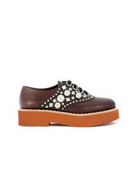 Zapatos oxford de cuero con adornos marrónes de Miu Miu