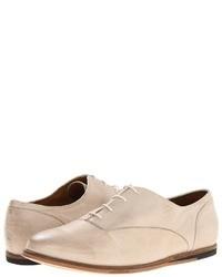 Zapatos oxford de cuero en beige