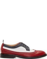 Zapatos oxford de cuero en blanco y rojo de Thom Browne