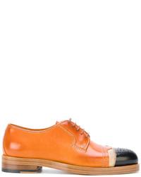 Zapatos oxford de cuero en tabaco de Maison Margiela