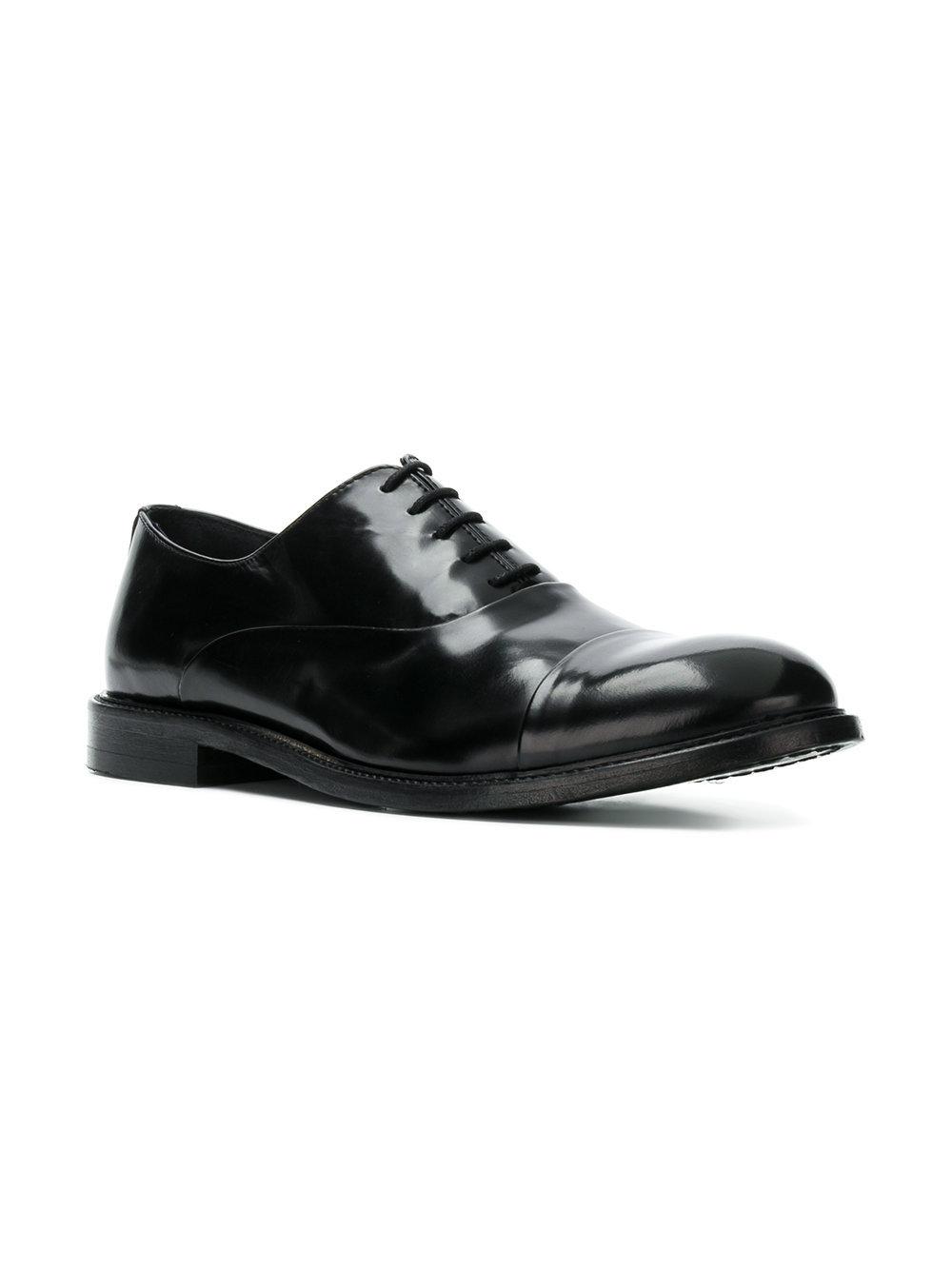 Zapatos oxford de cuero negros de Leqarant