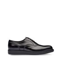 Zapatos oxford de cuero negros de Prada